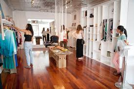 Pop-Up Fashion Outlets