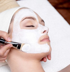 Microdermabrasion v. Hydrafacial – What You Need to Know