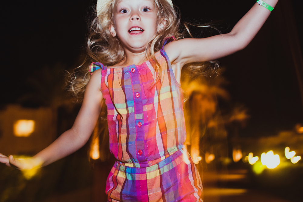 How to choose the perfect girl's birthday party outfit by matching it to your invitations