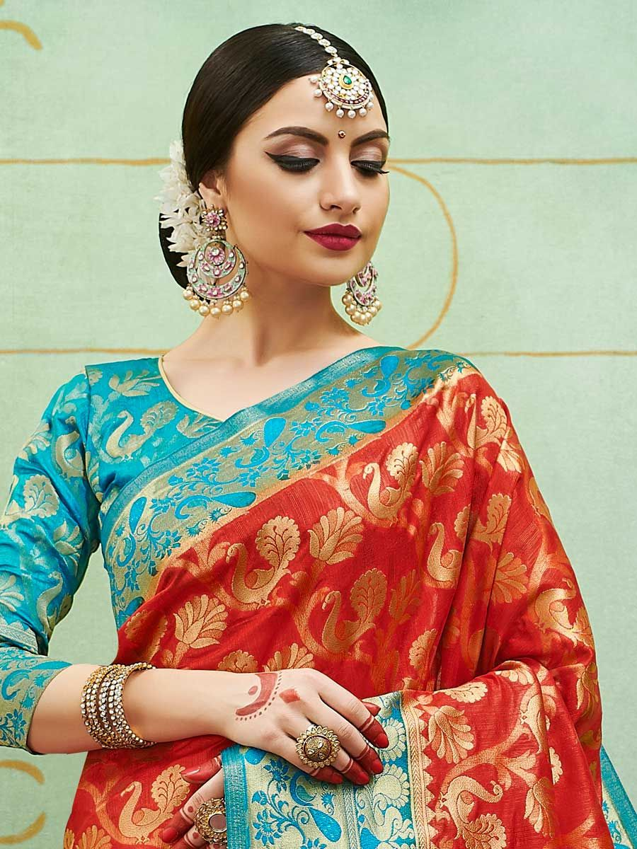 5 Traditional Sarees For Every Woman's Wardrobe