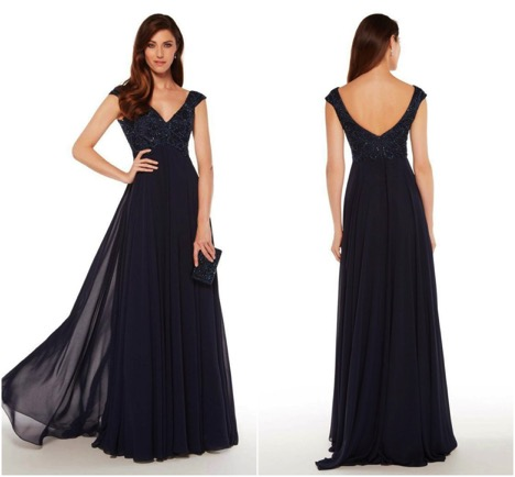 Dazzle Up In The Latest Trends Of Evening Gowns