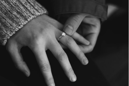 Perfect Engagement Ring Styles For Shorter Fingers